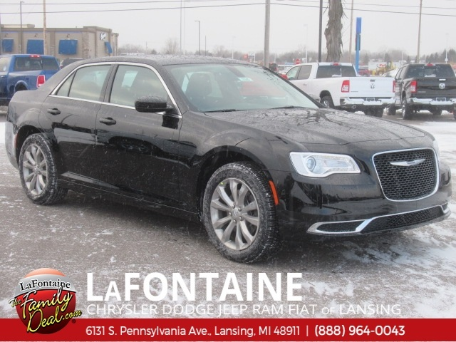 New 2019 Chrysler 300 Touring Sedan In Fenton 19l1045 Lafontaine
